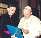 Father Cesáreo Gabaráin with Pope John Paul II